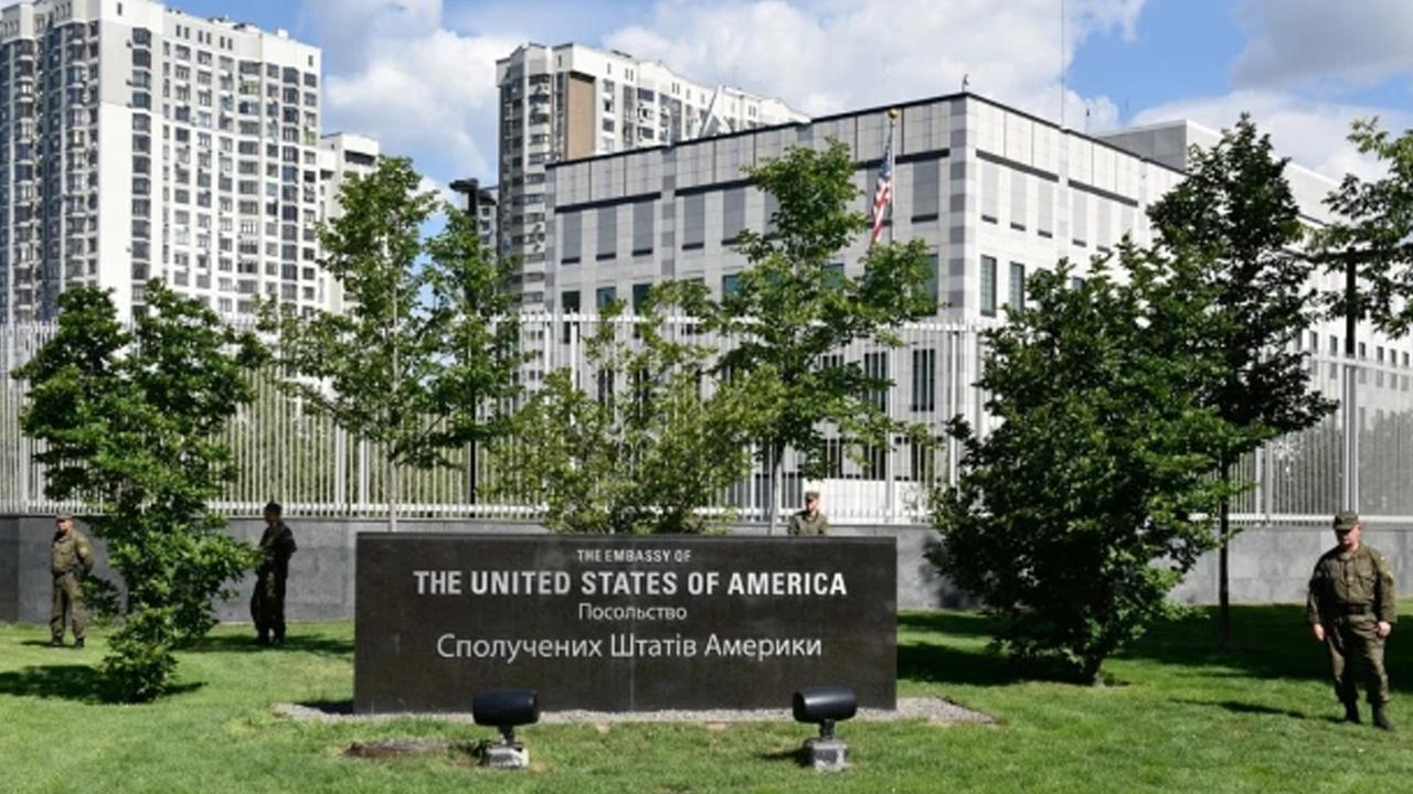 Asesinan a golpes a trabajadora de embajada estadounidense en Kiev, Ucrania