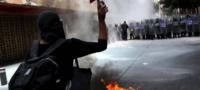 Paños verdes y gas lacrimógeno: Feministas protestan por el aborto en la CDMX