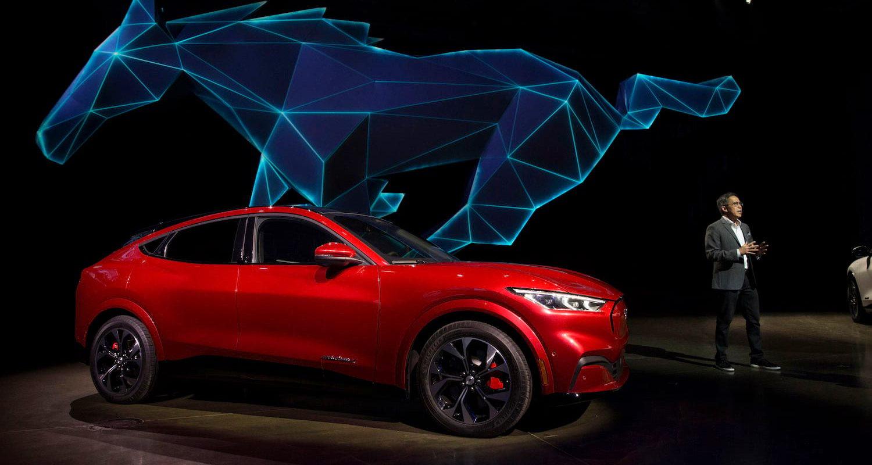 100% mujeres; 192 colaboradoras fabrican el eléctrico, Ford Mustang Mach-E en Chihuahua