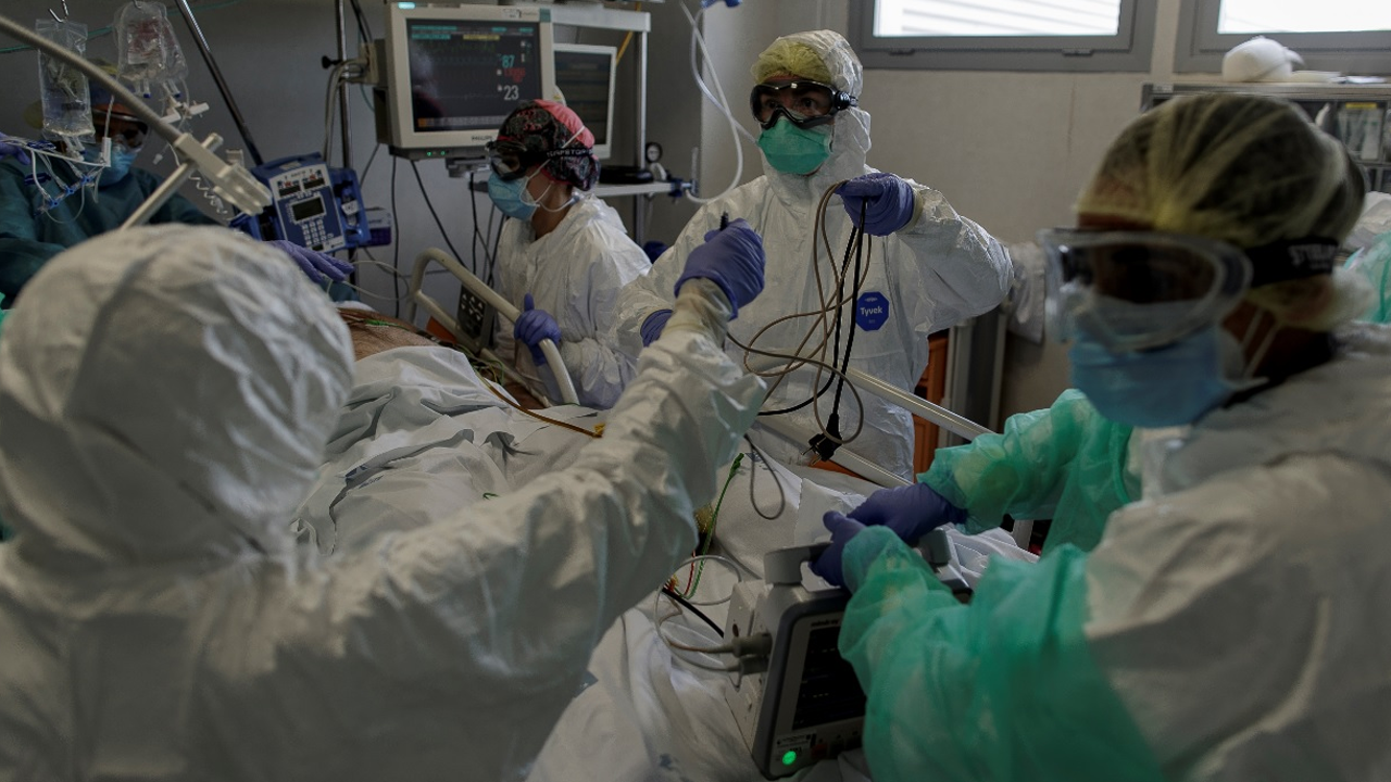 Mueren más mexicanos por Covid-19 que por cáncer