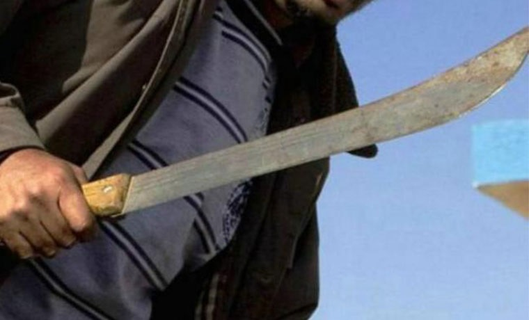 Policiaca: Sujeto trata de matar a su ex esposa; amenazó con lastimarla con un machete