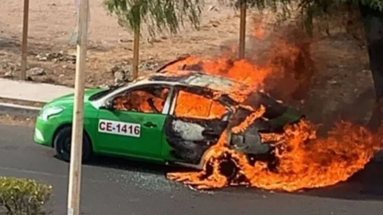 Balean y arrojan bomba molotov a taxista; pasajera logró salir con vida, pero se encuentra grave