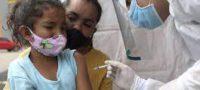 Vacuna México a migrantes antes de que entren a EE.UU; usan dosis regaladas