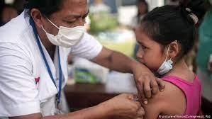 FDA podría aprobar uso de vacuna antiCovid-19 de Pfizer en niños de 12 años