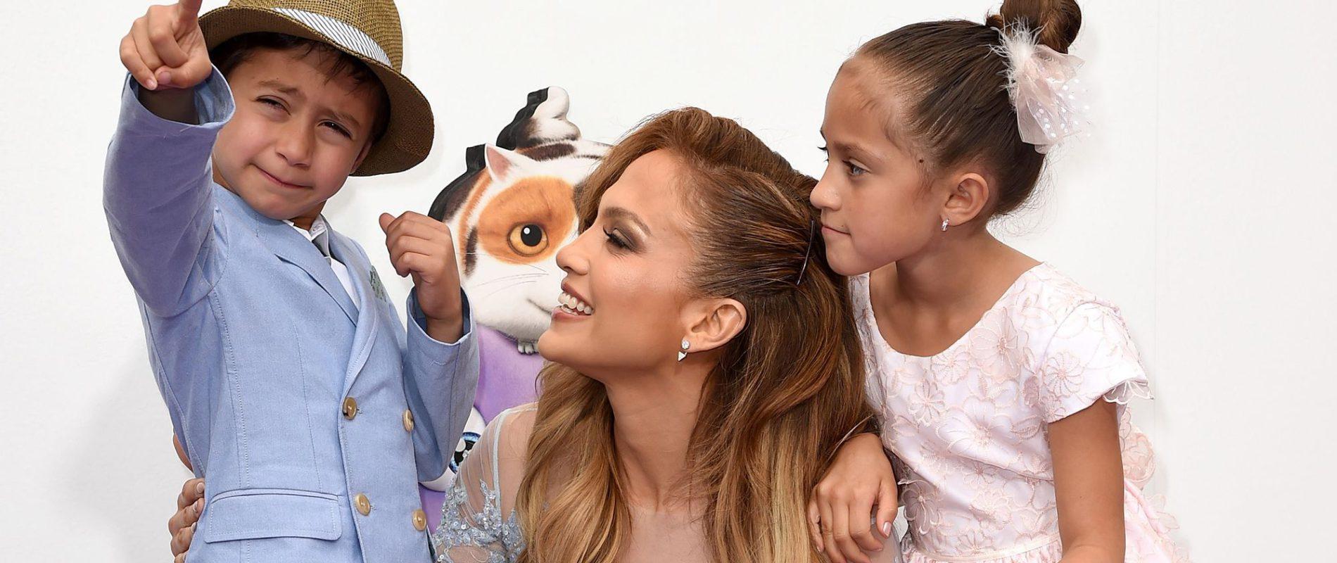 Le hace falta una cirugía; internautas aseguran que la hija de Jennifer López no se parece a ella