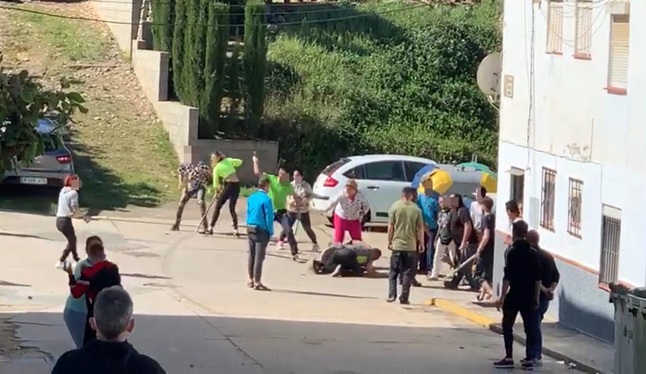 Pelea entre vecinos termina con una mujer herida