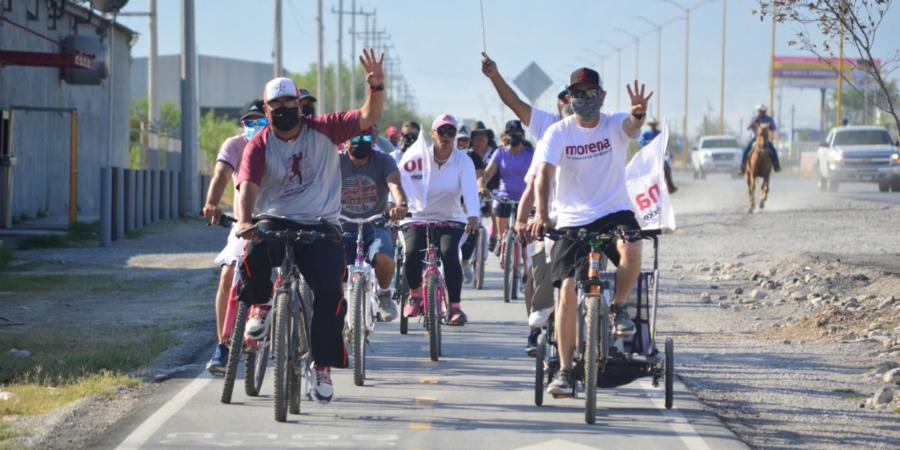 Roberto Piña rueda hacia la victoria; realizó exitosa caravana de bicicletas en Frontera