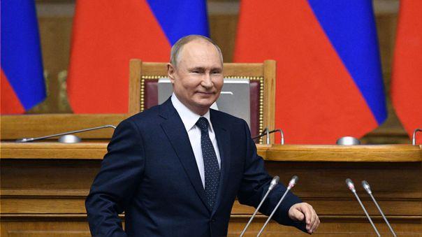 La economía no deber ser la prioridad para vencer al COVID: Vladimir Putin