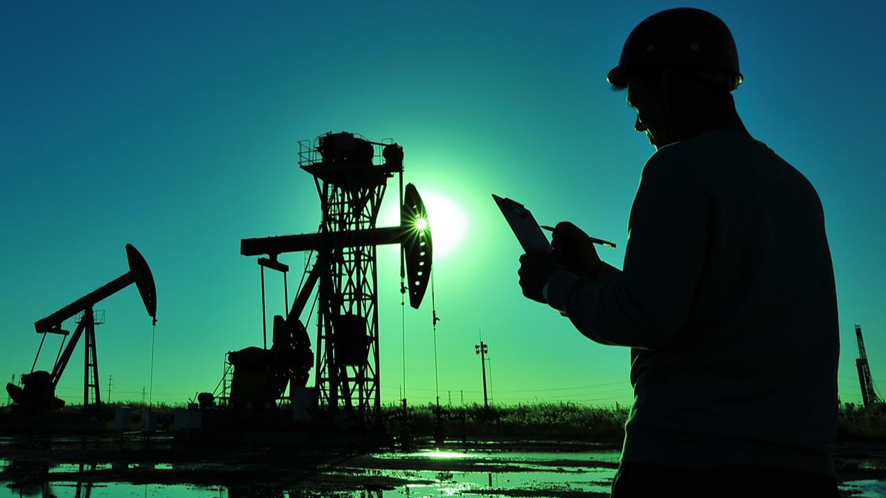 Barril de petróleo podría llegar a alcanzar los 100 dólares por el rebote económico de E.U.