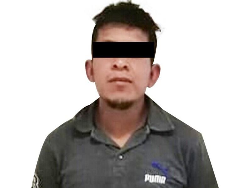 Policiaca: Desalmado padre intenta matar a su hija de 11 años; quería ahogarla