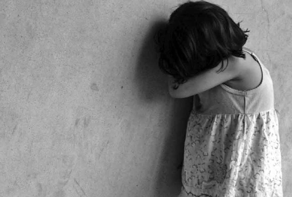 Policiaca: Papi me lastimó; sujeto abusó de su hijita de 3 años