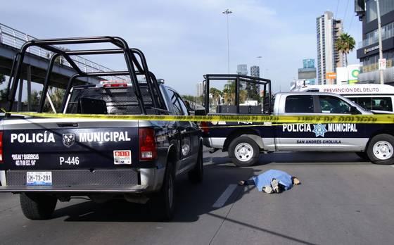 Policiaca: Abuelito de 60 le pone fin a su vida, se lanzó de un puente peatonal