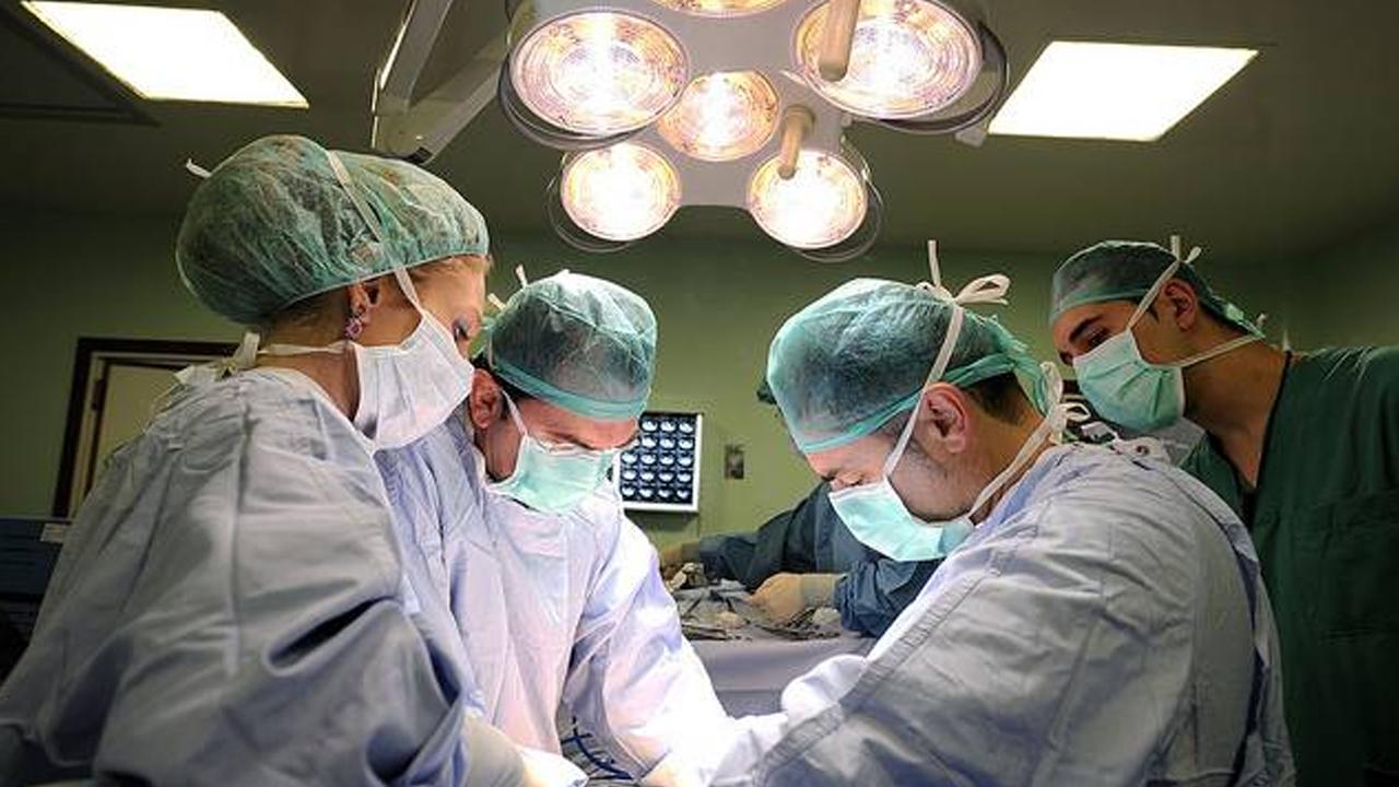 Realizan primeros trasplantes de corazón de donantes fallecidos por Covid-19