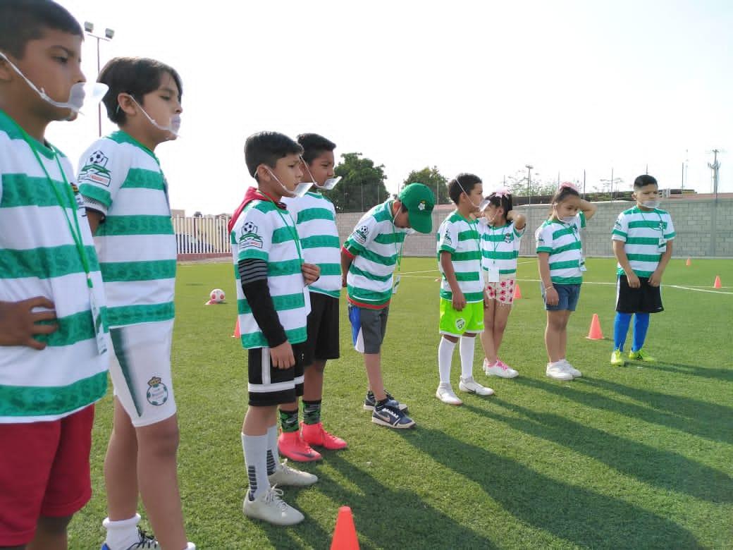 Participan cientos de niñas, niños y jóvenes en cursos de verano de PRONNIF Coahuila