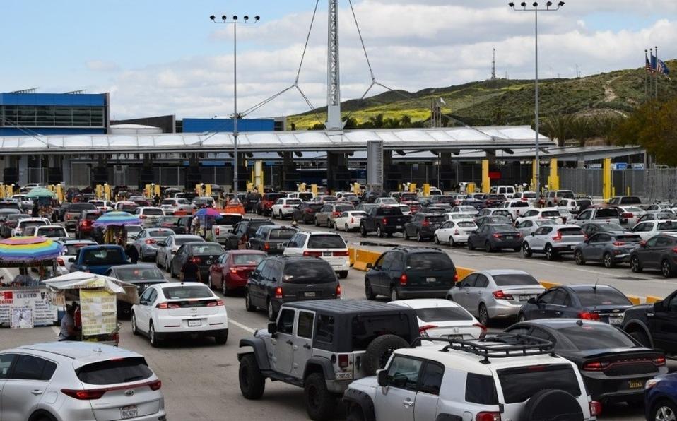 Cierre en la frontera entre México y EU extienden por un mes más; hasta agosto se abriría el paso libre
