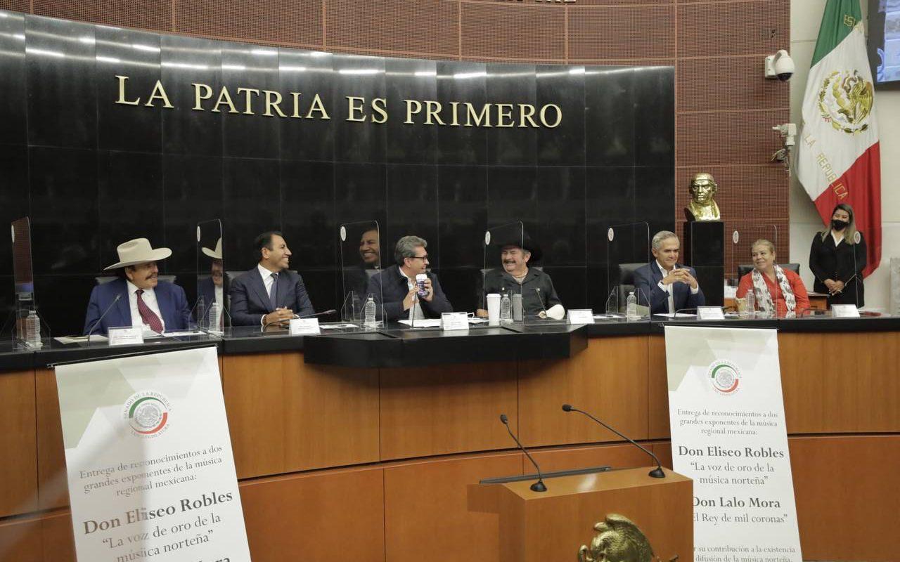 Senado reconoce trayectoria musical de Eliseo Robles y Lalo Mora