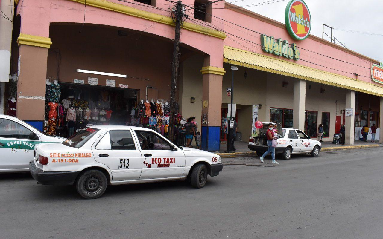 Entre los mismos se pelean; taxistas se acusan entre ellos de invadir sus áreas