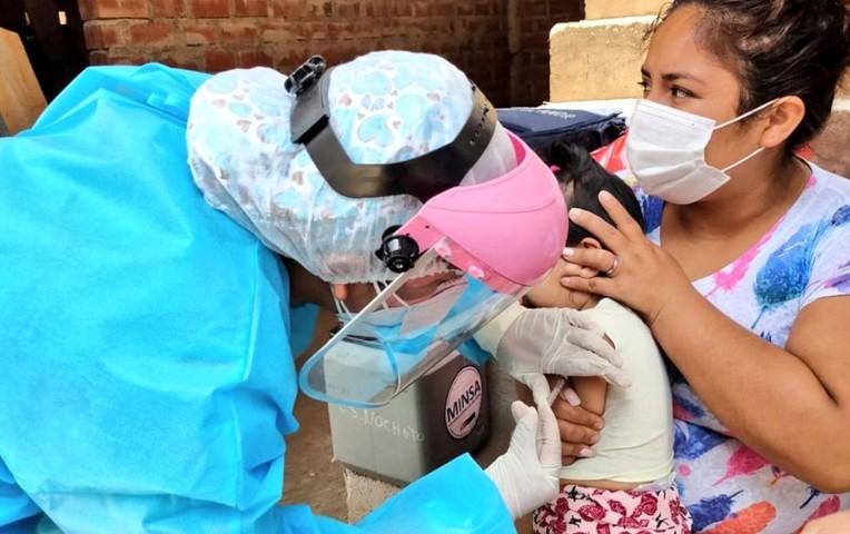 México se encuentra entre los 10 países que más retrocedieron en aplicación de vacunas a niños en 2020