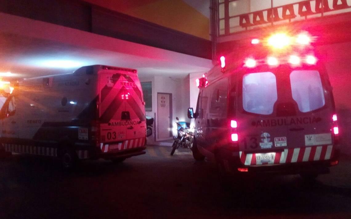 Sicarios obligan a paramédicos a atender a sus heridos: Le cerraron el paso a la ambulancia