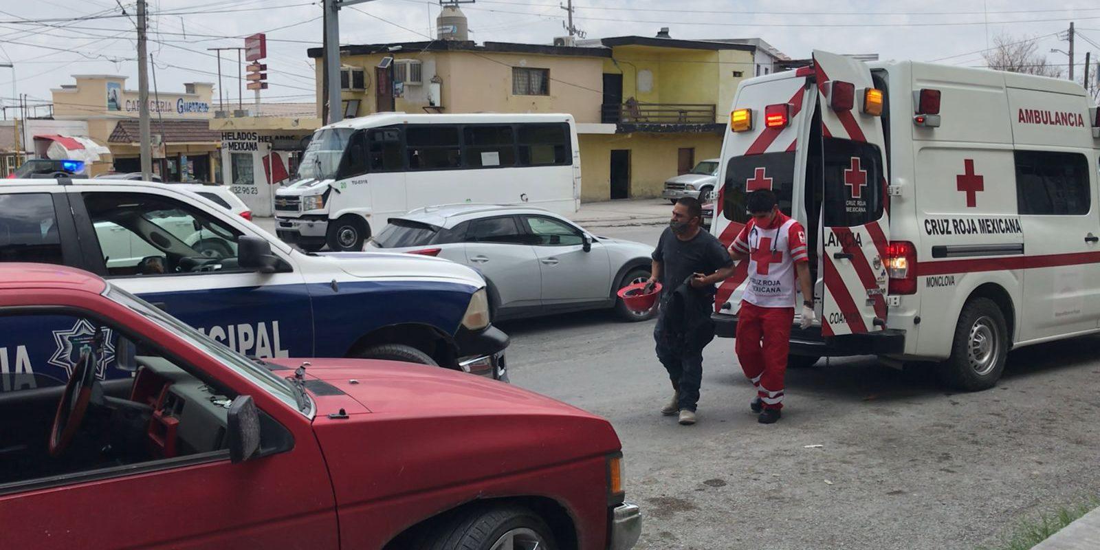 Policiaca: Despistado conductor hace volar por los aires a motociclista en Monclova