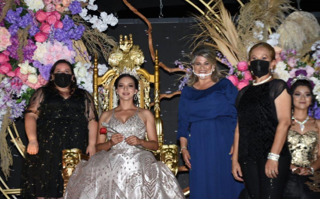 Teresa Victoria es la nueva reina de San Buenaventura