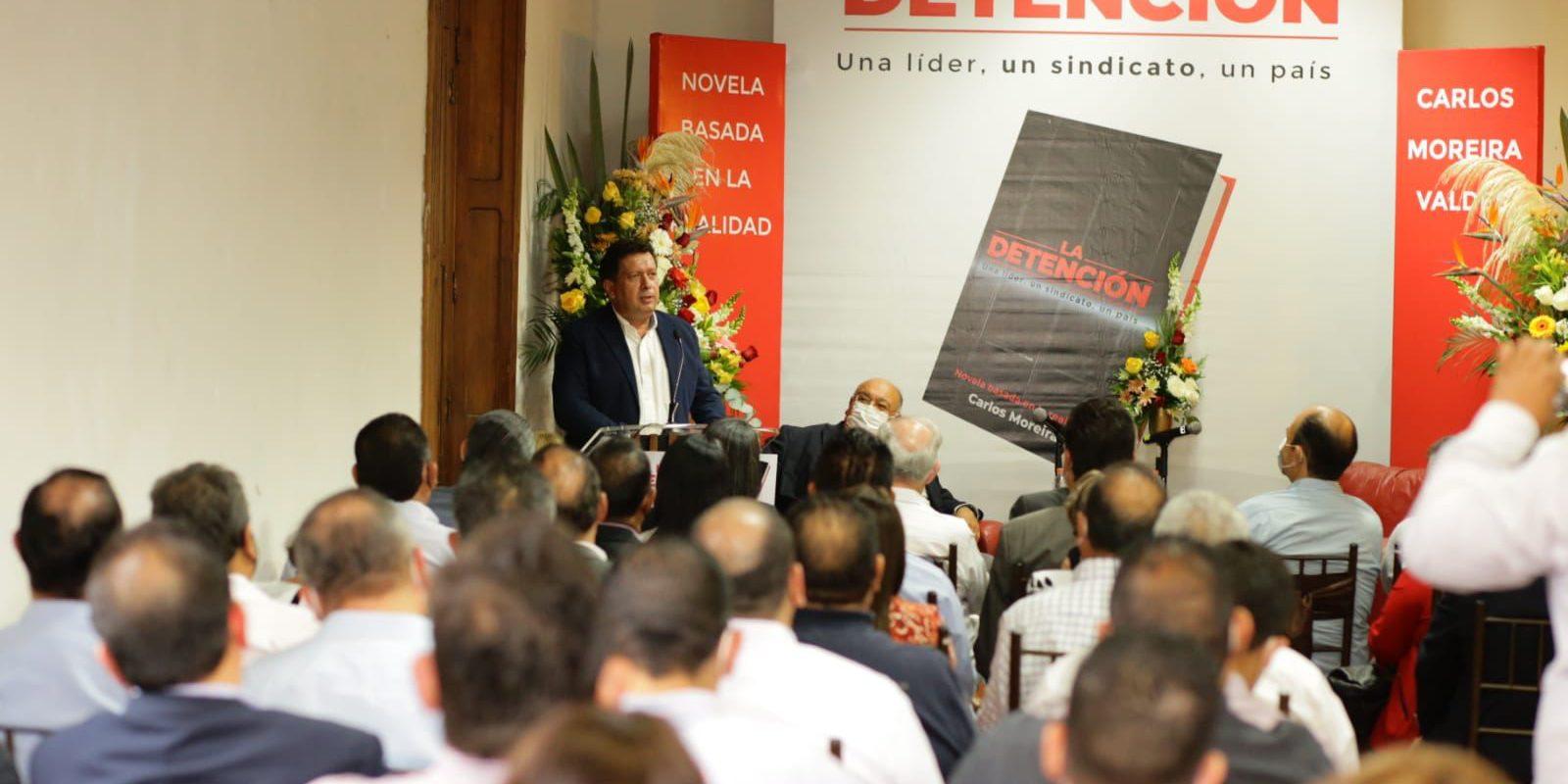 Presenta Carlos Moreira Valdés en Saltillo su libro 'La Detención'