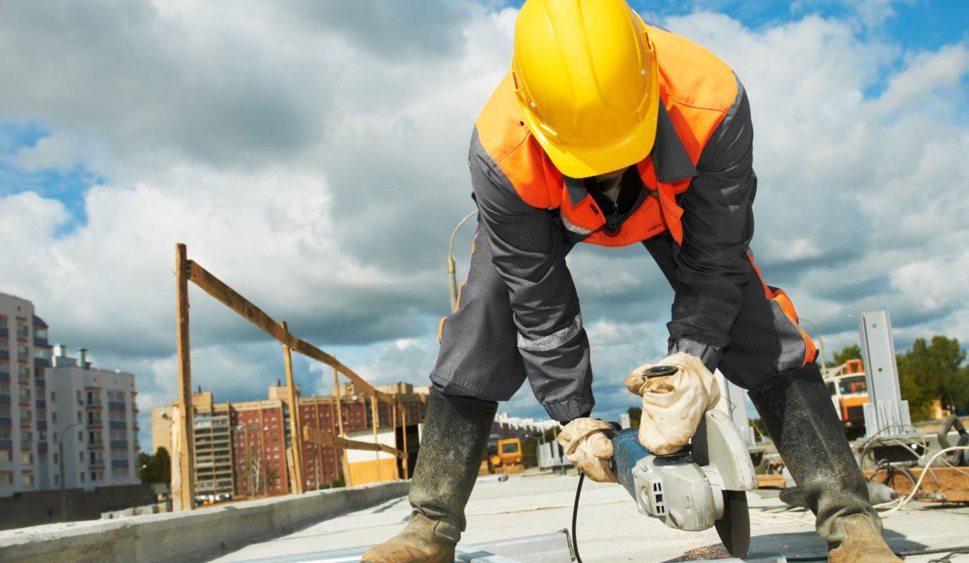 Pega ley outsourcing al ramo de la construcción: Raúl Flores