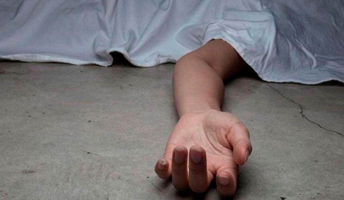 Muere mujer frente a su hijo: Su ex pareja la asesinó a tiros