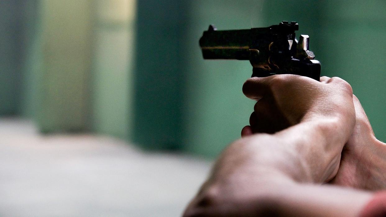 Quería matarlos a todos juntos: Adolescente atacó a su papá y a su hermano, después se suicidó