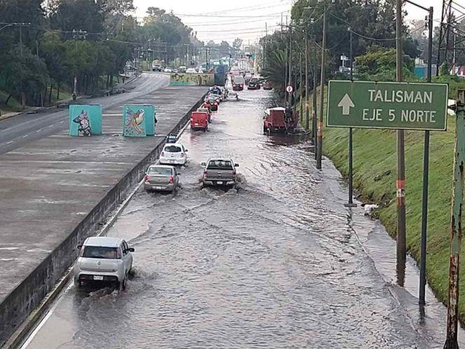 Encharcamiento en Gran Canal provoca descompostura de varios vehículos