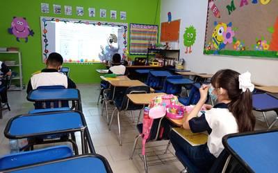 Avanza sistema educativo híbrido en la Región Centro sin COVID en alumnos