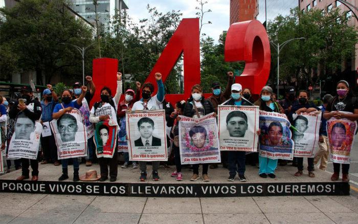 Ya no los busquen, murieron incinerados: El Pajarraco sobre los 43 normalistas de Ayotzinapa