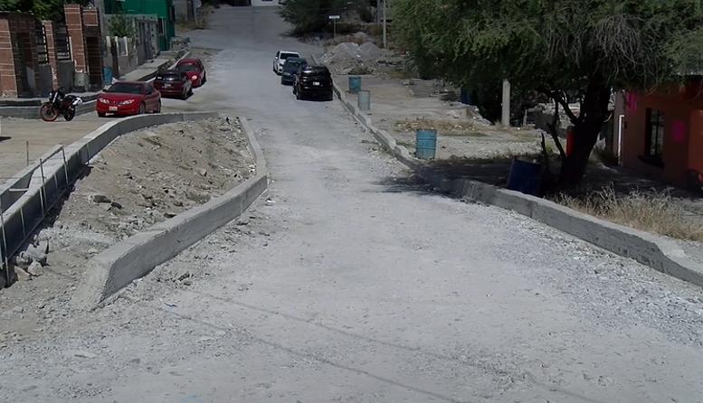 Habitantes de la Calle Felipe Pescador de la colonia Borja se quedarán sin drenaje y sin pavimento